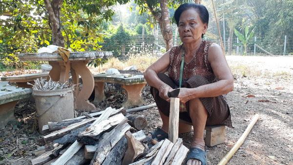 นางกลม ทองวันไพร อายุ 84 ปี บ้านเลขที่ 173 หมู่ 2 ต.บ้านใหม่สุขเกษม อ.กงไกรลาศ จ.สุโขทัย
