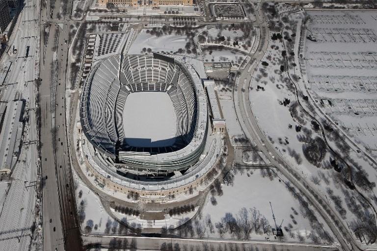 ภาพเมืองชิคาโก อิลลินอยส์ ที่ขาวโพลนไปด้วยหิมะเนื่องจากปรากฏการณ์ลมหมุนขั้วโลก (SCOTT OLSON / GETTY IMAGES NORTH AMERICA / AFP)