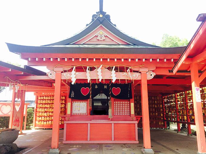 ศาลเจ้าโคอิโนะคิ  (ภาพ : JNTO โดย Mizutatenmanguu Koinokijinja)
