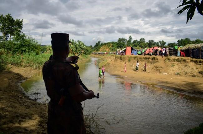 ชนกลุ่มน้อยในพม่าหวาดผวารัฐยะไข่ยังไม่สงบหนีกระสุนเข้าบังกลาเทศ