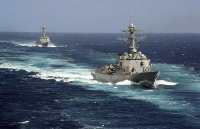 สหรัฐฯ ส่งเรือพิฆาต 2 ลำเข้าใกล้เกาะพิพาทในทะเลจีนใต้