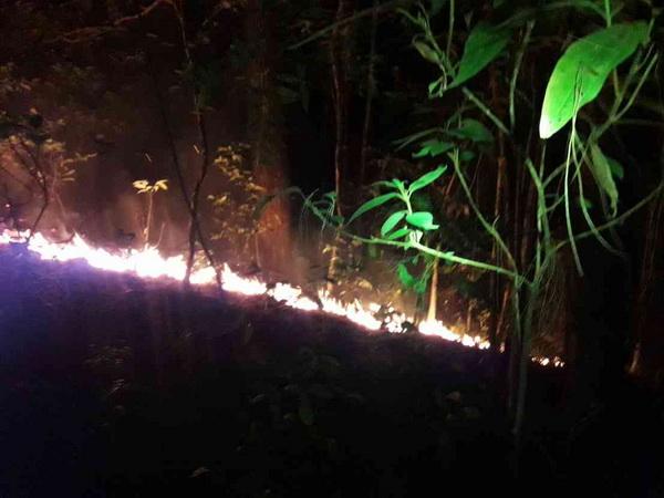 อ่วม  ! ทหารพรานเสริมทัพช่วยดับไฟป่าตามแนวชายแดนภาคเหนือผจญหมอกควันหนาทึบเกือบทุกพื้นที่