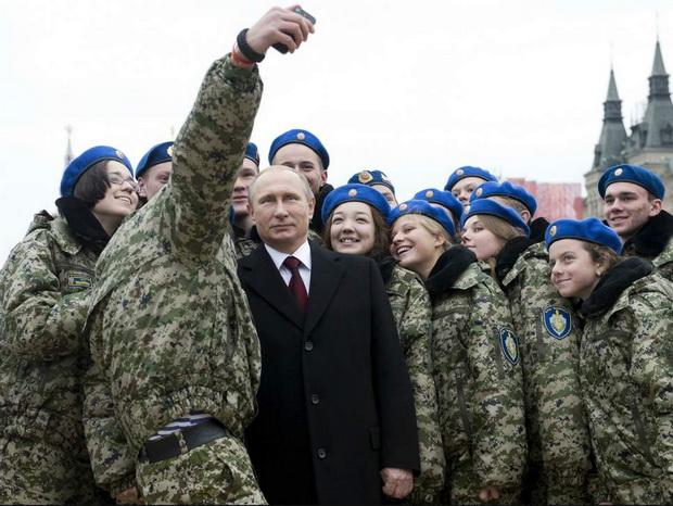 สภารัสเซียเห็นชอบร่างกม.ห้ามทหารพก,ใช้สมาร์ทโฟนระหว่างปฏิบัติหน้าที่
