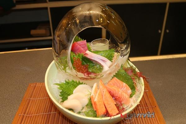 """ห้องอาหาร """"ยูริ"""" โรงแรมป่าตอง รีสอร์ท เสิร์ฟอาหารญี่ปุ่นฟิวชั่น สดใหม่ โดยเชฟมากประสบการณ์"""