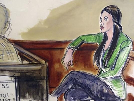 ภรรยาเอล ชาโป คือ เอ็มมา คอโรเนล เอสเปอโร(Emma Coronel Aispuro)  เข้าร่วมฟังคำพิพากษาวันอังคาร(12 ก.พ 2019)