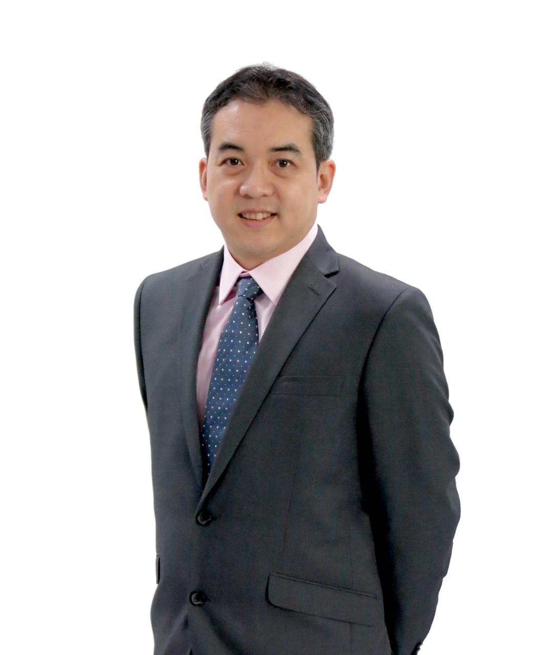 นายณัฐ เหลืองนฤมิตชัย ผู้ช่วยผู้จัดการ หัวหน้ากลุ่มงานพัฒนาระบบงานเทคโนโลยีสารสนเทศ สายงานเทคโนโลยีสารสนเทศ ตลาดหลักทรัพย์แห่งประเทศไทย