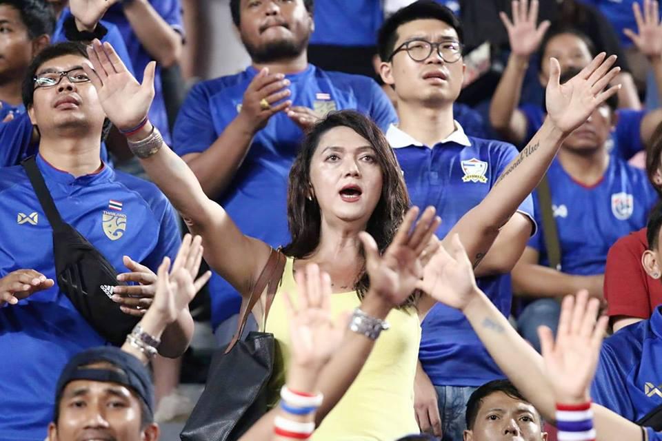 พอลลีน ยังคงตามเชียร์ฟุตบอลทีมชาติไทยเสมอ