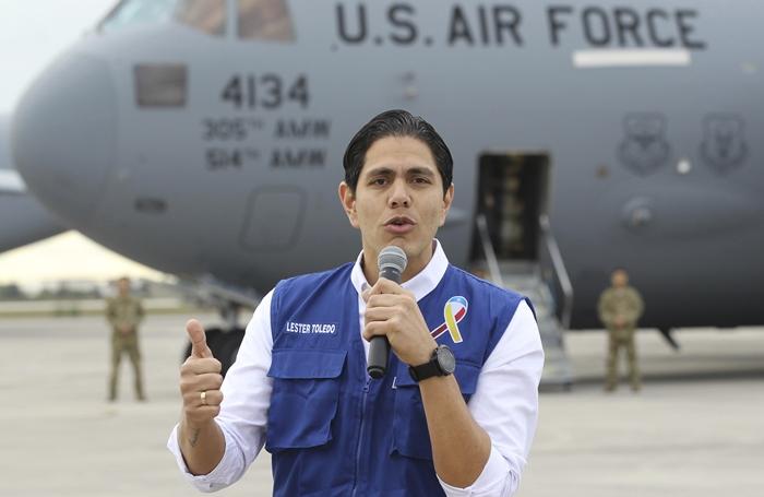 ฝ่ายค้านเวเนฯระดมคนนับแสนเตรียมรับ ขณะเครื่องบินทหารมะกันเริ่มขนความช่วยเหลือ