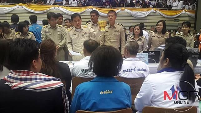 """สรุปยอดกกต.ไม่รับรองผู้สมัครส.ส.เขต 389 คน 55 พรรค""""เพื่อนไทย""""อ่วม 153 คน"""