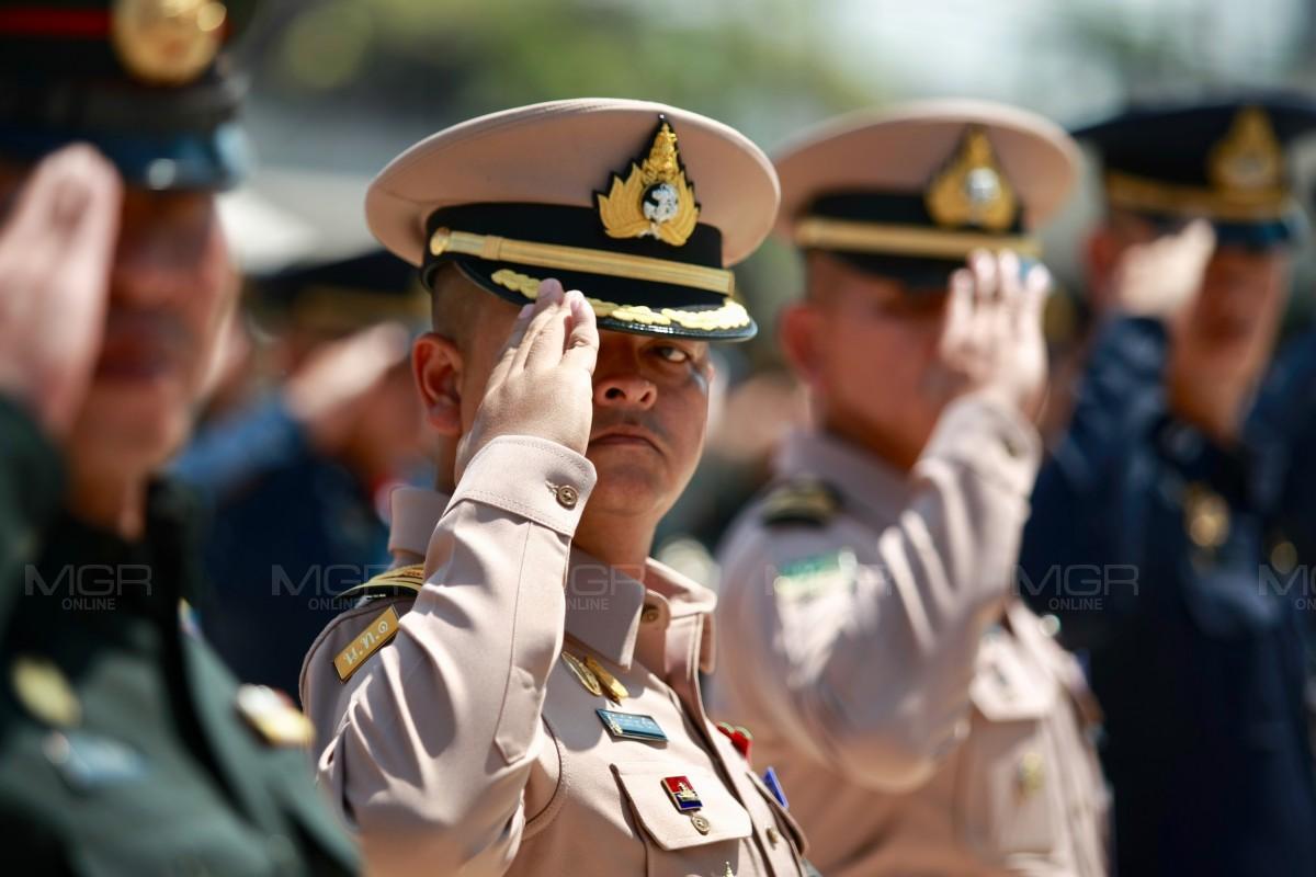 """กรมสรรพาวุธทหารบก จัดฝึกกำลังพลในริ้วขบวน""""พระราชพิธีบรมราชาภิเษก"""""""