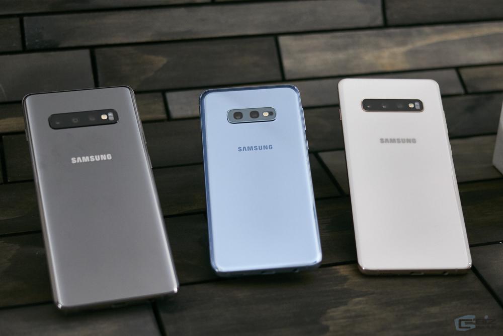 Galaxy S10e (เครื่องกลาง เป็น Dual Camera)