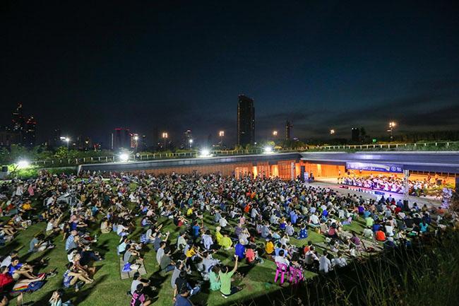"""คอนเสิร์ตดีๆ ฟรีๆ ชิลล์ๆ  """"เทศกาลดนตรีในสวน Concert in the Park"""" ครั้งที่ 26"""