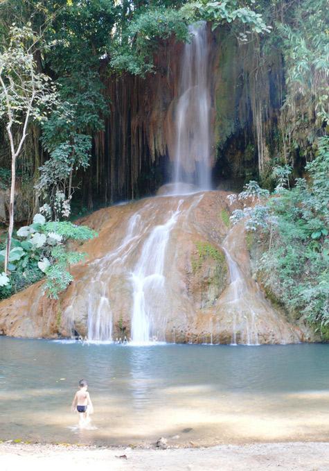 น้ำตกภูซาง น้ำตกอุ่นหนึ่งเดียวในเมืองไทย