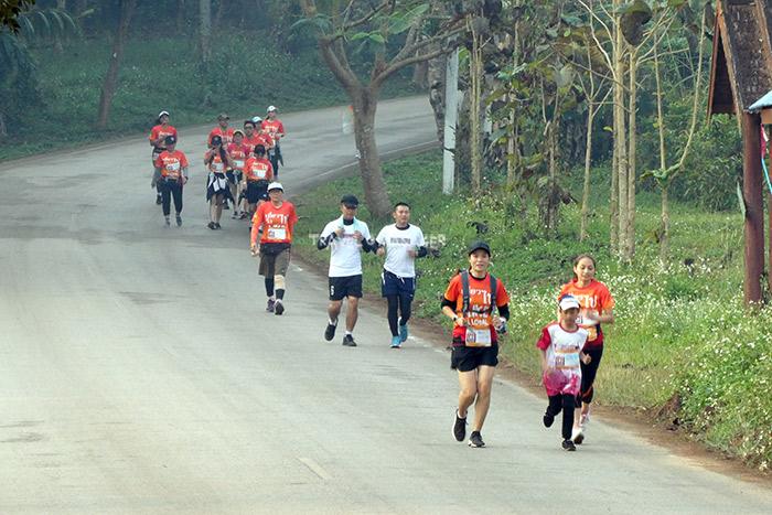 วิ่ง เดิน สัมผัสวิถีชุมชนอย่างใกล้ชิด
