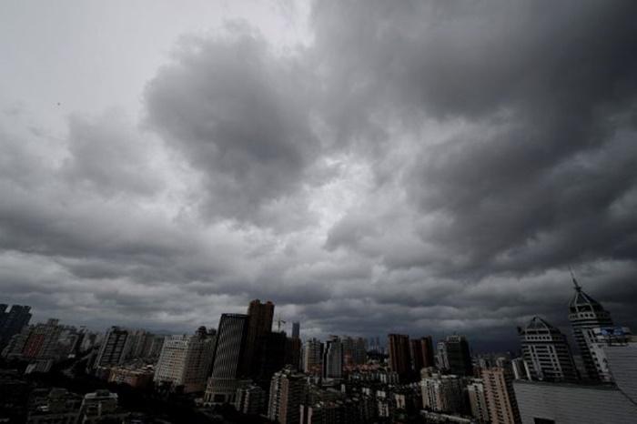 """ไทยตอนบนอากาศร้อน เตือน """"พายุฤดูร้อน"""" ฝนฟ้าคะนอง ลมกระโชกแรง อีสานโดนก่อน ตามด้วยภาคอื่นทั่วไทย"""