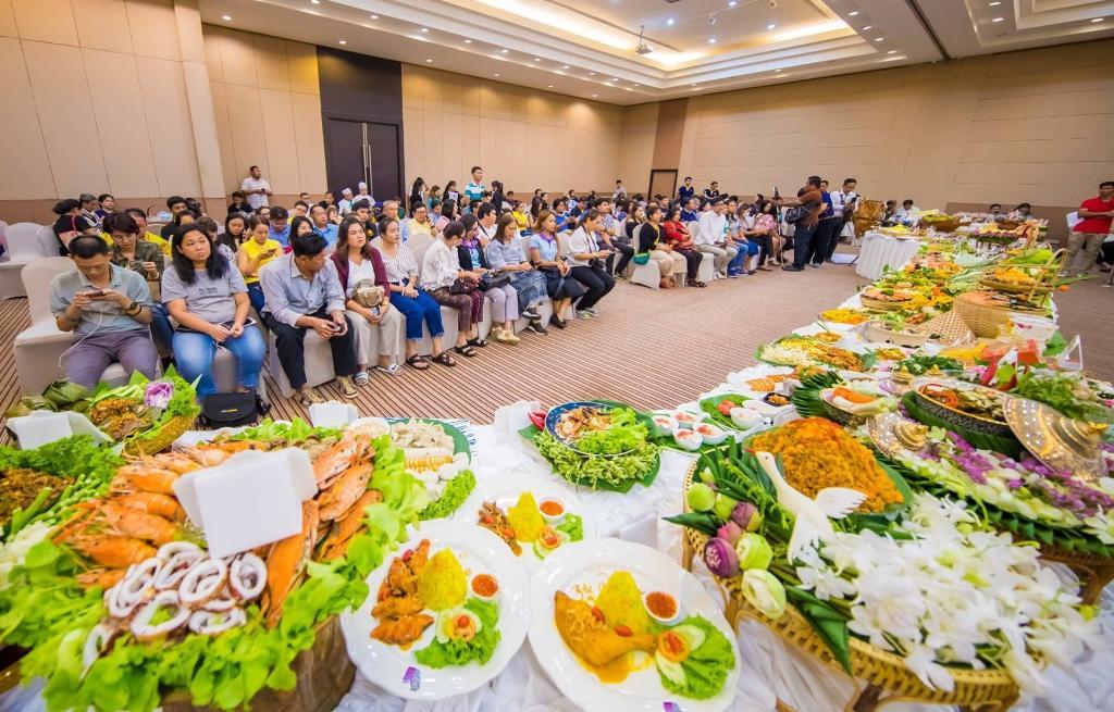 """""""พาณิชย์ระยอง"""" ผนึกรัฐ-เอกชน จัดงานเทศกาลอาหารอร่อย ขนของดีจังหวัดให้เลือกชม ชิม ชอป"""
