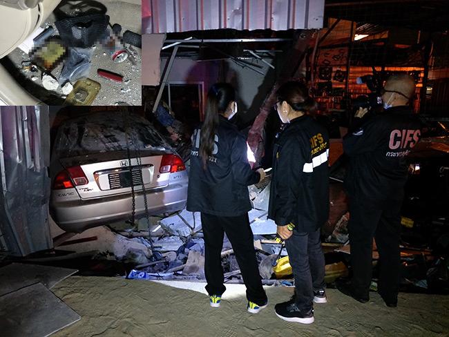 สุดสลด!หนุ่มซิ่งเก๋งชนอู่ซ่อมรถทะลุห้องนอนทับเด็ก 1 ขวบดับคาอกพ่อแม่