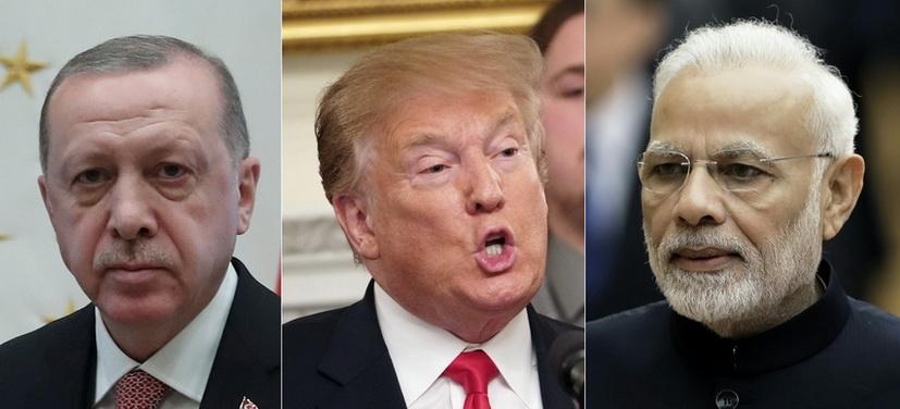 (จากซ้ายไปขวา) ประธานาธิบดี เรเจป ตัยยิบ แอร์โดอัน แห่งตุรกี, ประธานาธิบดี โดนัลด์ ทรัมป์ แห่งสหรัฐฯ และนายกรัฐมนตรี นเรนทรา โมดี แห่งอินเดีย