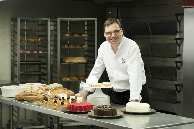 """2 สุดยอดเชฟ โรงแรม แบงค็อก แมริออท มาร์คีส์ ควีนส์ปาร์ค คว้ารางวัลระดับโลก """"Global Food & Beverage Associate Challenge"""""""