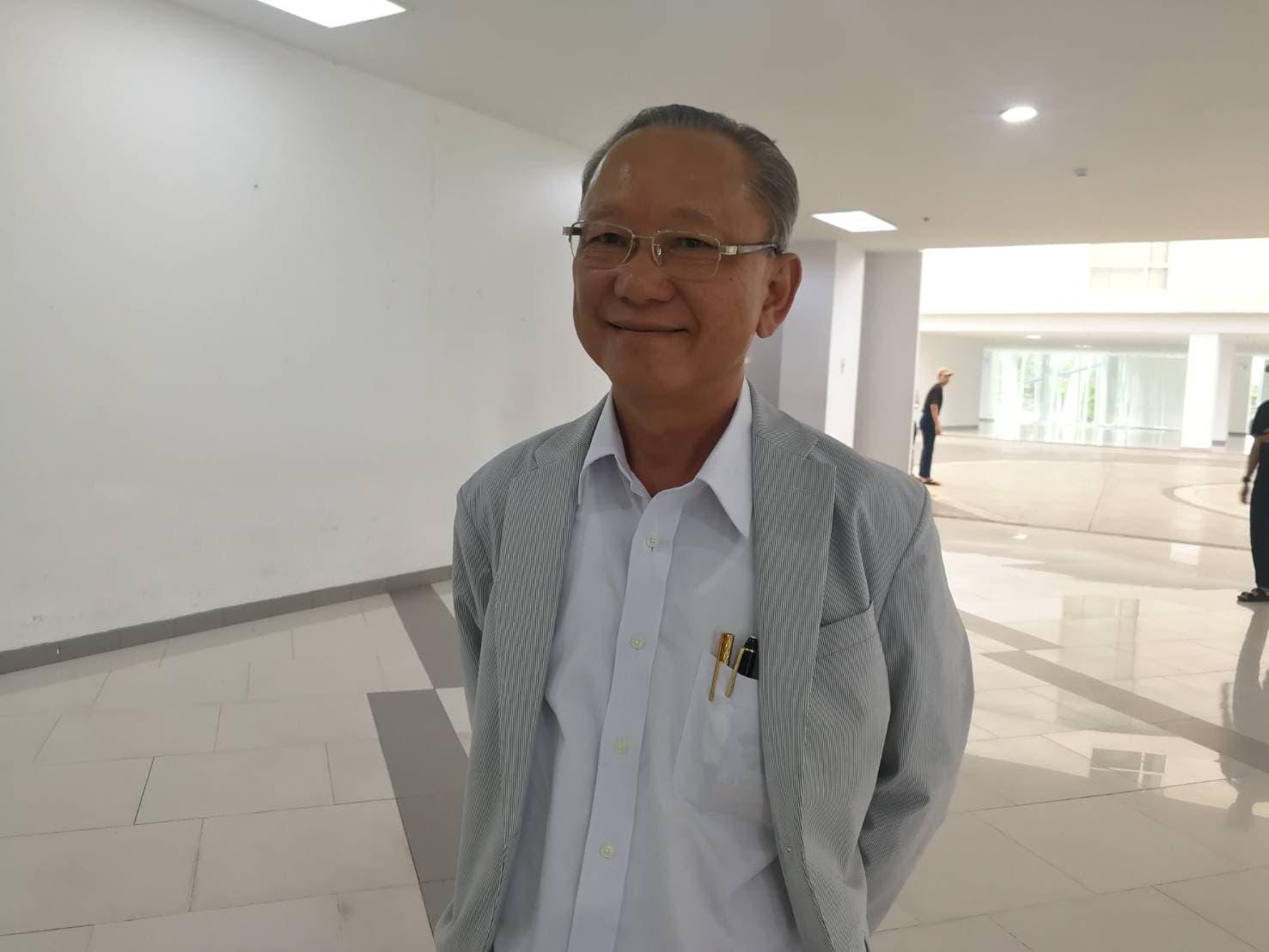 รองศาสตราจารย์ ดร.สังศิต พิริยะรังสรรค์ คณบดีวิทยาลัยนวัตกรรมสังคม มหาวิทยาลัยรังสิต