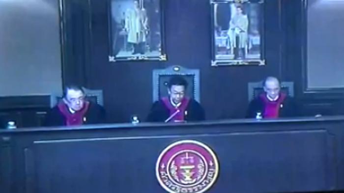 ลุ้นระทึก ศาลฯ นั่งบัลลังก์อ่านคำวินิจฉัยยุบ ทษช.