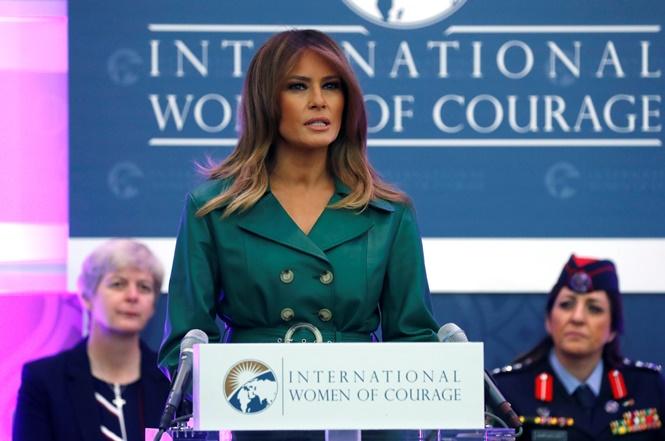สุภาพสตรีหมายเลข 1 ของสหรัฐฯ มิลาเนีย ทรัมป์ แจกรางวัลกล้าหาญในวันสตรีสากลที่สหรัฐฯ