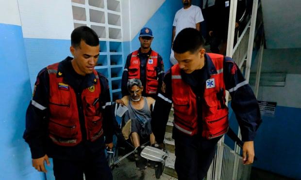 ฝ่ายค้านเผยไฟดับที่เวเนซุเอลาทำคนตายไปแล้ว 21 ราย