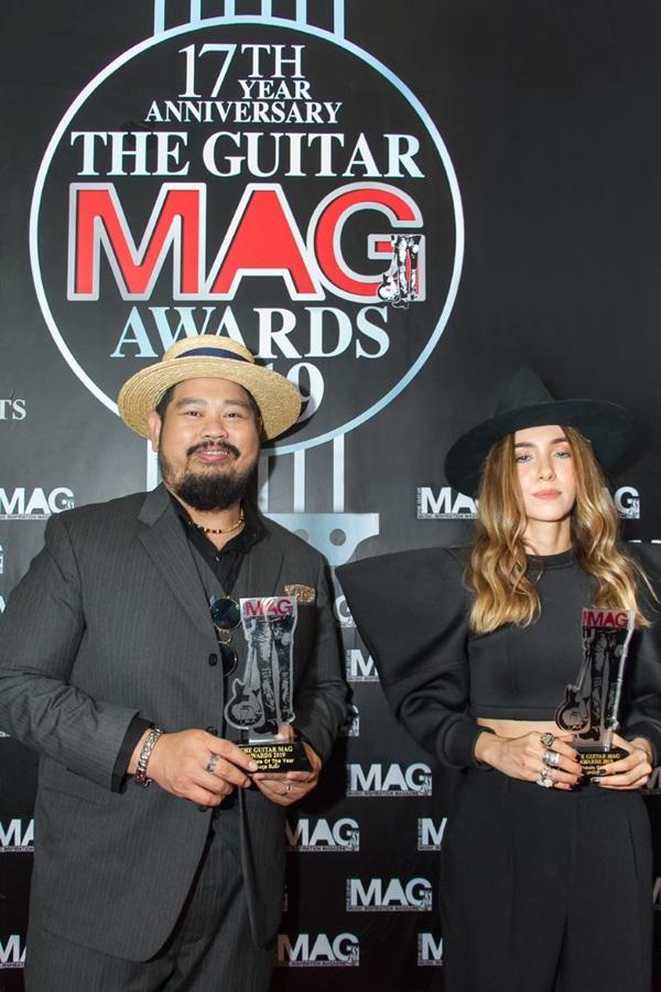 """""""ป๊อบ- ปาล์มมี่"""" คว้ารางวัลนักร้องนำชาย-หญิงยอดเยี่ยมแห่งปี  ในงาน """"เดอะ กีตาร์ แม็ก อวอร์ด 2019 เรียล อวอร์ด ฟอร์ เรียล อาร์ทิส"""""""