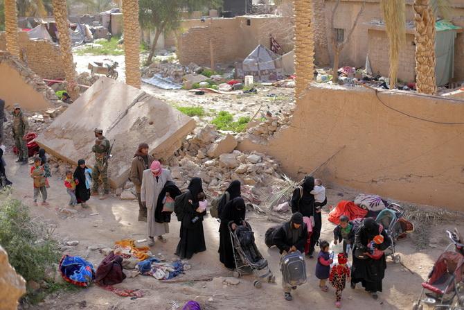 นักรบไอเอส3,000คนยอมยกธงขาว พวกเดนตายยังสู้เดือดที่มั่นสุดท้ายซีเรีย