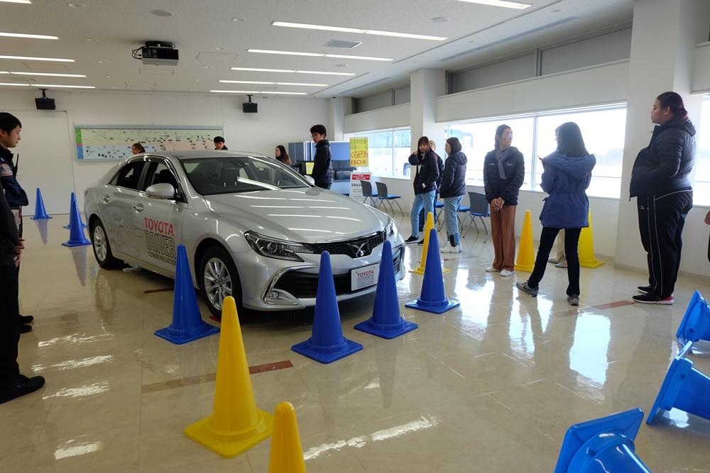 การศึกษา จุดบอดของรถ เพื่อให้เกิดความระมัดระวังให้มากขึ้นต่อการขับรถ