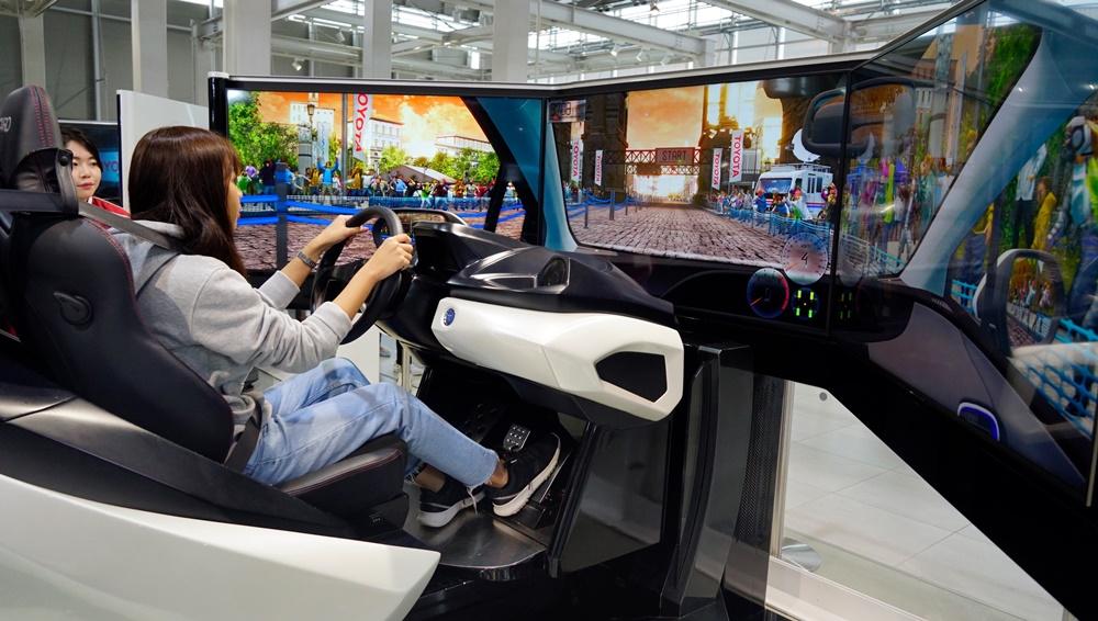 โตโยต้า MEGA WEB  ได้ทดลองขับรถ