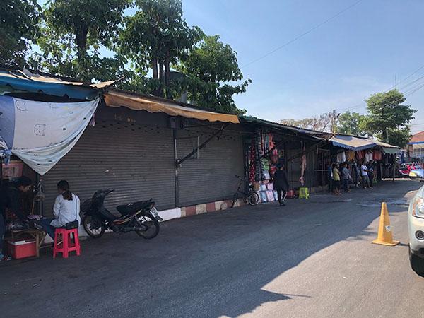 """""""ตลาดโรงเกลือ""""ซบเซาหนัก ร้านค้าทยอยปิดตัว ส่อแววอาจเป็น แค่ตำนาน"""