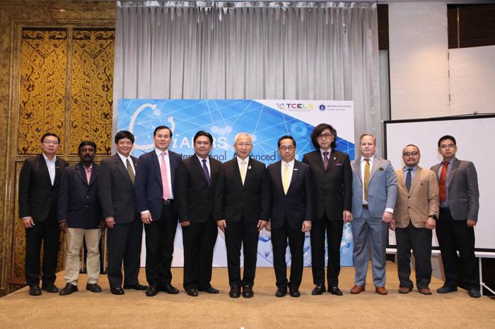 """""""ไซเบอร์ดายน์"""" เปิดบริการหุ่นยนต์ช่วยผู้ป่วยกายภาพ หวังยกระดับไทยเป็นฮัพด้านการแพทย์โลก"""