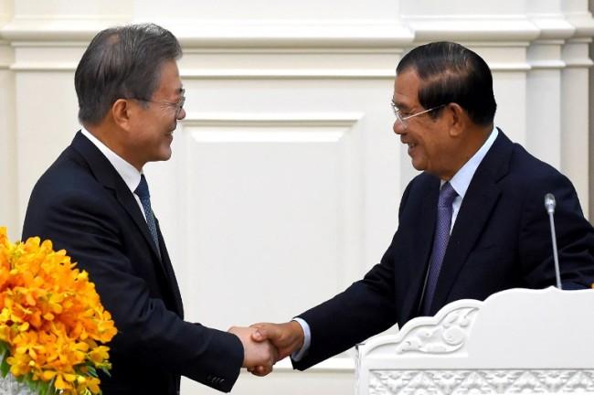ผู้นำโสมขาวเยือนกัมพูชาเซ็นข้อตกลงความร่วมมือ 7 ฉบับ