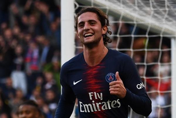"""ปารีสฯ แบน """"ราบิโอต์"""" 2 สัปดาห์ กดไลค์ """"เอฟรา-ป็อกบา"""" ฉลองเข้า 8 ทีม ชปล."""