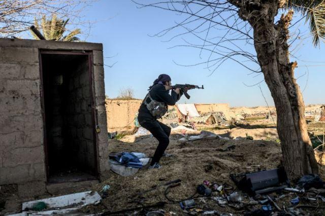 """""""ไอเอส"""" ดื้อประจันหน้ากองกำลังเคิร์ด ไม่ยอมทิ้งที่มั่นสุดท้ายในซีเรีย"""