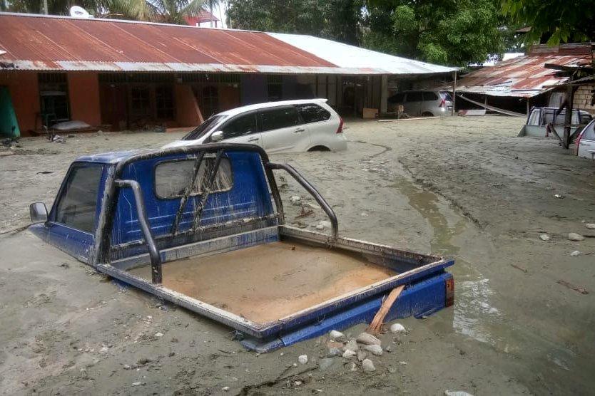 ปาปัวน้ำท่วม-ดินถล่มตายอย่างต่ำ 58 คน อิเหนาชี้เหตุทำลายป่า-หวั่นยอดเหยื่อพุ่ง