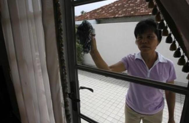 ศาลคุกผัวเมียสิงคโปร์สุดโหดทารุณสาวใช้พม่าบังคับกินอาเจียน