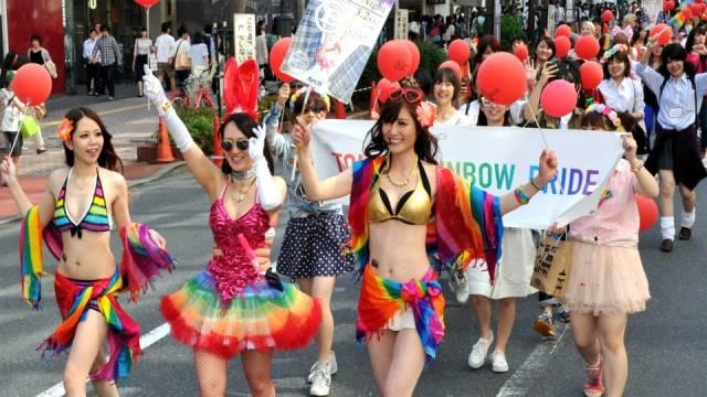 """ฮิวแมนไรท์วอทช์จี้ญี่ปุ่นแก้กฎหมายบังคับ """"คนข้ามเพศ"""" ทำหมัน"""