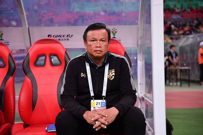 """""""โค้ชโต่ย"""" ถ่อมตัว ชี้ """"จีน"""" เปลี่ยนทีมไปเยอะ หลังพ่ายไทยคาบ้าน - ชมเด็กทุ่มเทเต็มที่"""