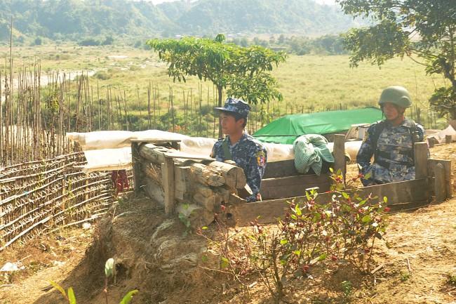 พม่าคุยกลุ่มกบฎยะไข่เหลว ปะทะต่อเนื่องทำชาวบ้านดับ 6 เจ็บอีก 5