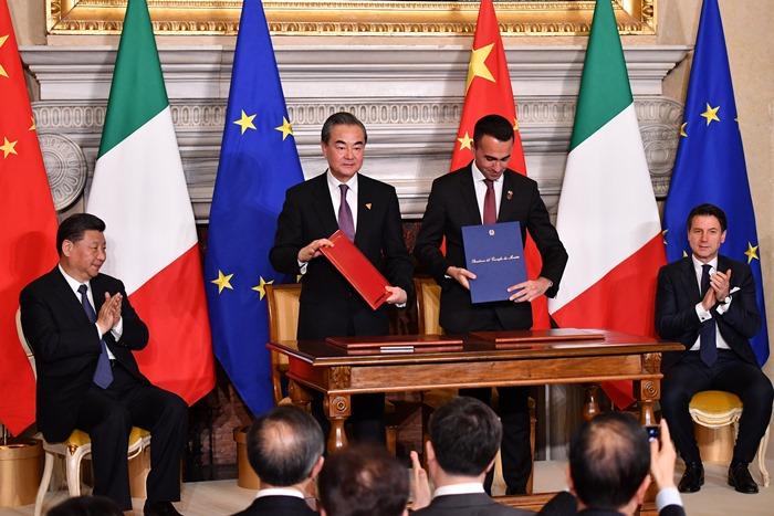 อิตาลีลงนามใน'เส้นทางสายไหมใหม่'ของจีน   ปักกิ่งดึงกลุ่มG7ปท.แรกร่วมโครงการBRI สำเร็จ โรมหวังการค้าบูมสนั่น