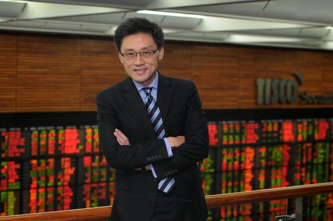 """""""ไพบูลย์"""" แนะจับตาการเมือง ชี้หุ้นไทยยังน่าลงทุน เศรษฐกิจ-หุ้นโลกฟื้นช่วงครึ่งปีหลัง"""
