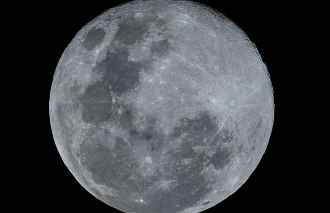 ด่วนจี๋!!รองปธน.สหรัฐฯเร่งส่งมนุษย์อวกาศขึ้นไปเหยียบดวงจันทร์(อีกครั้ง)ใน5ปี