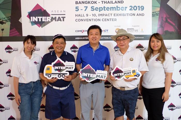 ทีมผู้จัดงาน INTERMAT ASEAN 2019 บริษัท อิมแพ็ค เอ็กซิบิชั่น แมเนจเม้นท์ จำกัด ร่วมกิจกรรมการแข่งขันกอล์ฟสมาคมประจำปีกับสมาคมก่อสร้างไทยในพระบรมราชูปถัมภ์ และประชุมความร่วมมือในการจัดงานดังกล่าว ณ สนามอมตะสปริง คันทรี่คลับ จังหวัดชลบุรี