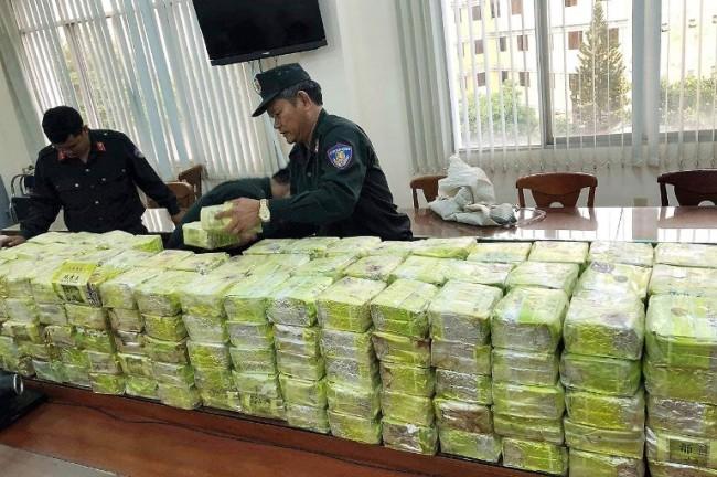 ตำรวจโฮจิมินห์รวบชาวจีนลอบขนยาเสพติดได้อีก ครั้งนี้เฮโรอีนกว่า 300 กก.