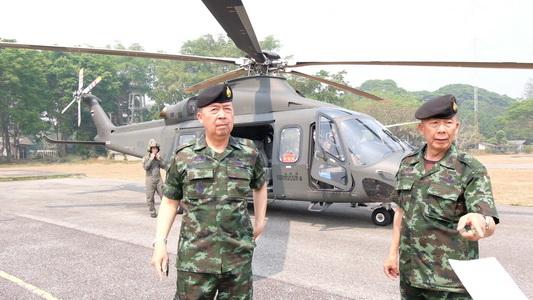 แม่ทัพภาค3บินสำรวจไฟไหม้ป่าเชียงใหม่ลุยแก้หมอกควัน-ยังไม่รู้กรณีลอบเผาแฝงโจมตีการเมือง