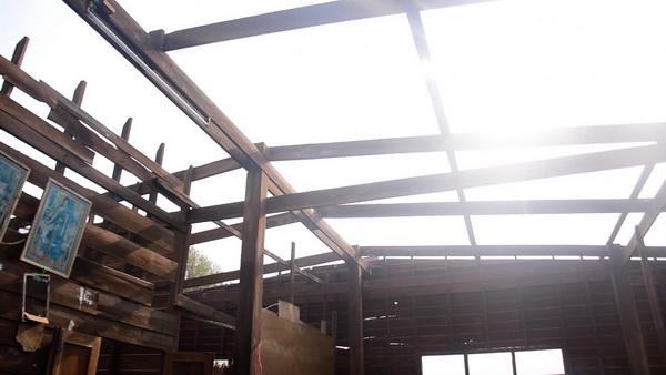 พายุซัดลูกเห็บตกทำบ้านพังเสียหายที่ อ.บ้านไผ่ขอนแก่นหลายสิบหลังคา