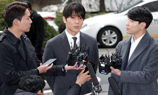"""ไม่ใช่แค่แชร์!! """"ชเวจงฮุน"""" อดีต FT Island โดนตั้งข้อหาแอบถ่าย"""