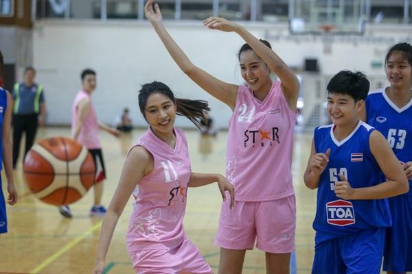"""""""เชียร์-เซฟ-ฌาร์ม""""นำทีมบาสเกตบอลสตาร์เกิร์ล 2019 ลงสนามฟิตซ้อมแข่งกับนักบาสหญิงทีมชาติไทย ยู 19"""